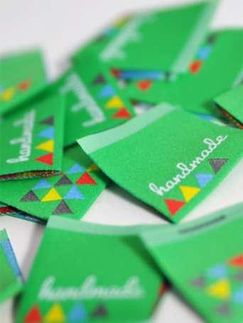 Webetikett Label - Handmade Dreiecke, grasgrün