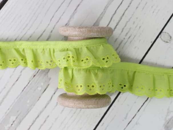 Baumwollspitze Stickerei, gerüscht - 30 mm - limettengrün