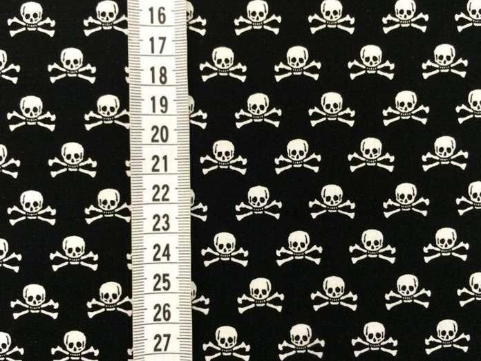 Baumwolle Stoff - Haunting Skull Black